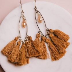 very-cute-tassel-earrings-in-camel.-They-are-easy-to-miss-match-with-any-boho-outfit